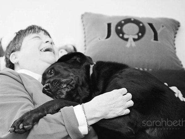 Foto Sara Beth regista últimos momentos entre donos e cães